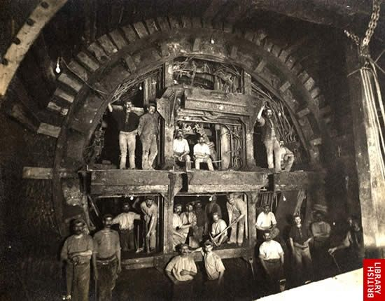 Construction work on the Central Line of the #London #Underground 1898