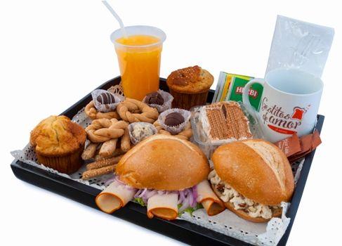 """Desayunos a delivery, sorprendele con un desayuno muy tempranito...""""Un gestito de amor vale mas que mil palabras""""...atención en la ciudad de Lima...visítanos en: www.gestitosdeamor.com ó escribenos a: pedidos@gestitosdeamor.com"""