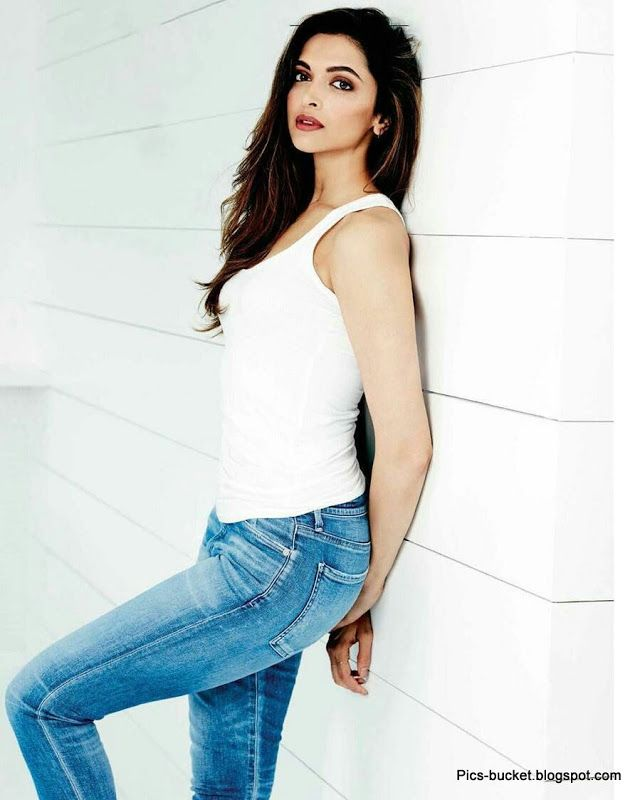 Deepika Padukone In Jeans Images And Hd Wallpapers Deepika Padukone Style Deepika Padukone Indian Celebrities