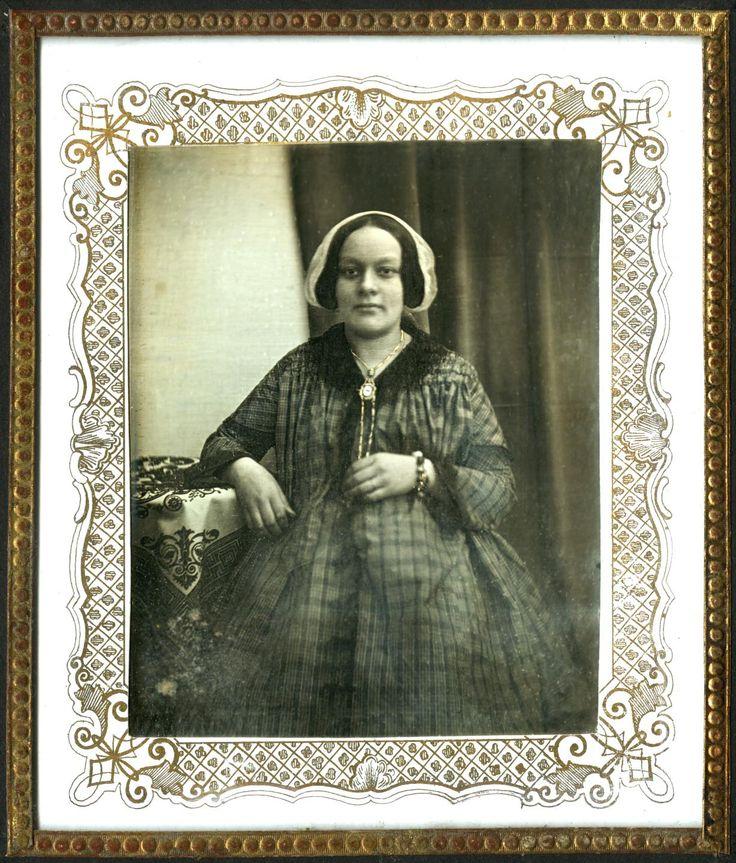 Портрет неизвестной. Ателе А. Г. Блюменталя. Москва. 1847-1849 гг.