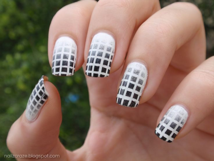 White Nail Polish Nail Art Designs To Bend Light