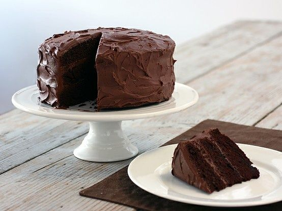 <3 Easy Chocolate Cake. | Recipes & Foods for New Years