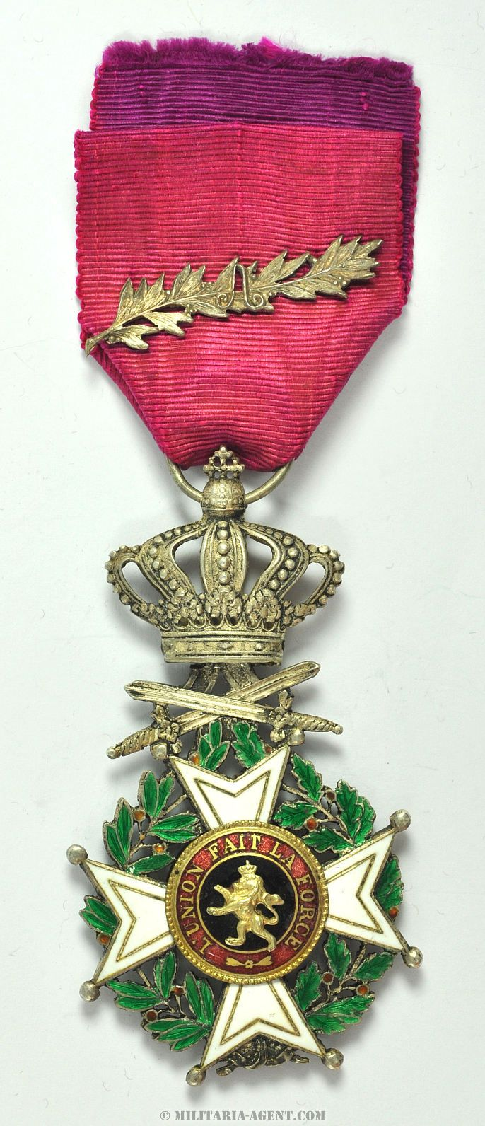 Order of Leopold (military), Knight's badge with silver 'A' palm on ribbon.