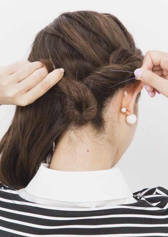 短い前髪でも簡単 ねじりを使ったアレンジ方法 ボブ ヘアアレンジ 結婚式 ヘアスタイリング ボブ ヘアアレンジ
