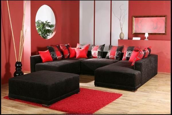 Kissen verleihen einem Sofa erst die richtige Gemütlichkeit