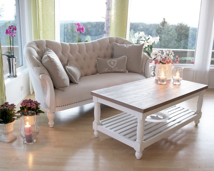 Daisy Sofa og Caffe Latte stuebord hos Krogh Design. https://www.krogh-design.no/stue-og-oppholdsrom/