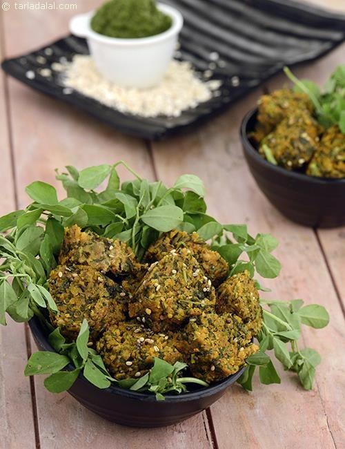 Oats Methi Muthia recipe | by Tarla Dalal | Tarladalal.com | #39094
