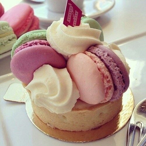 Delicious Fruit Topped Sweet Cake HD Images Download