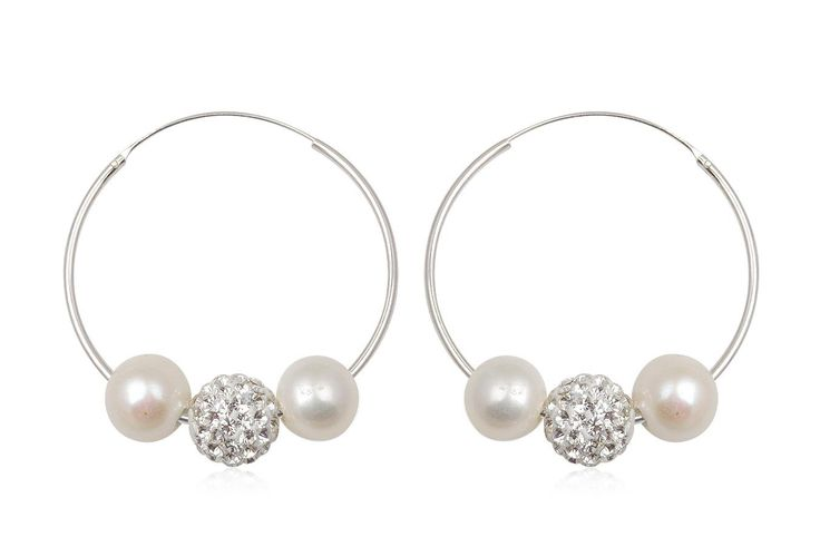 http://www.lafemmecoquette.ro/cercei-rotunzi-din-argint-cu-perle-si-cristale/