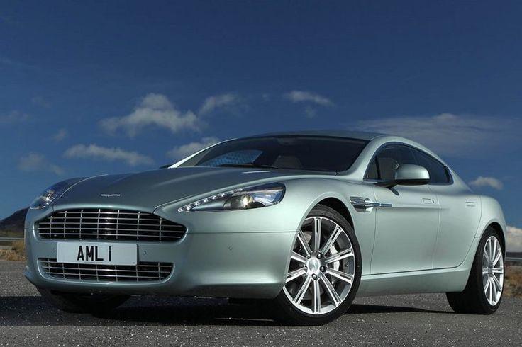 Aston Martin a célébré son centenaire l'année dernière avec faste. Mais en 2014, elle a surtout fêté les 100ans du lancement de son premier modèle : la Coal Scuttle. L'occasion de revisiter l'histoire du prestigieux constructeur britannique, à travers trente modèles sur lesquels il a bâti sa réputation.