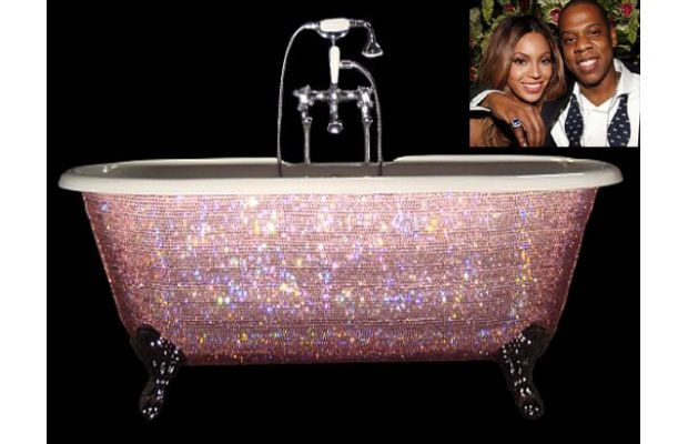 Beyonce's pink glitter soaker tub from The 10 Weirdest Celebrity Bathrooms #beyonce #bathroom