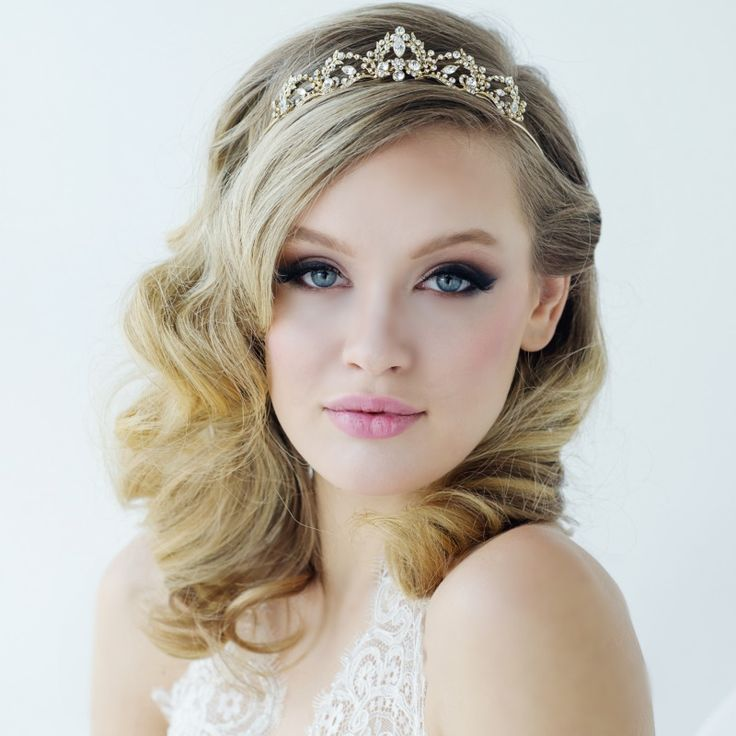Best 25+ Tiara Hairstyles Ideas On Pinterest