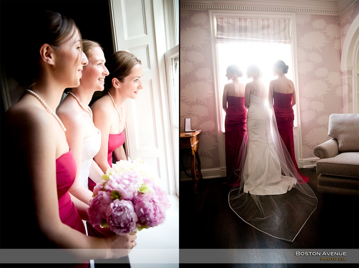 ...what a beautiful room at the McLean House where the bride can prepare for her day!