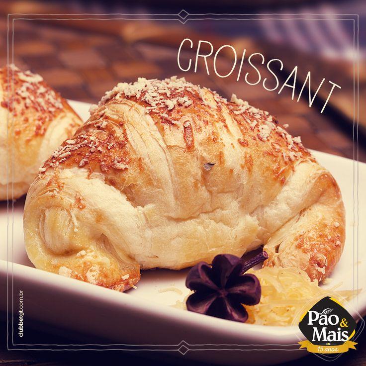 Croissant e um bom café pra deixar o fim de tarde mais delicioso.