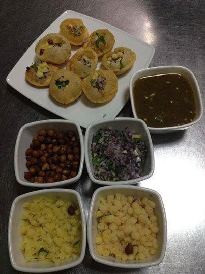 Who Loves #PaniPuri? Specially prepared by our Chefs..test today.. @ http://www.mrindia.pl/