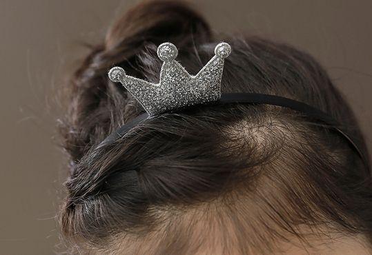 Korea children's No.1 Shopping Mall. EASY & LOVELY STYLE [COOKIE HOUSE] Popiel crown headband / Size : FREE / Price : 3.18 USD #cute #koreakids #kids #kidsfashion #adorable #COOKIEHOUSE #OOTD #hairband #crown #lovely