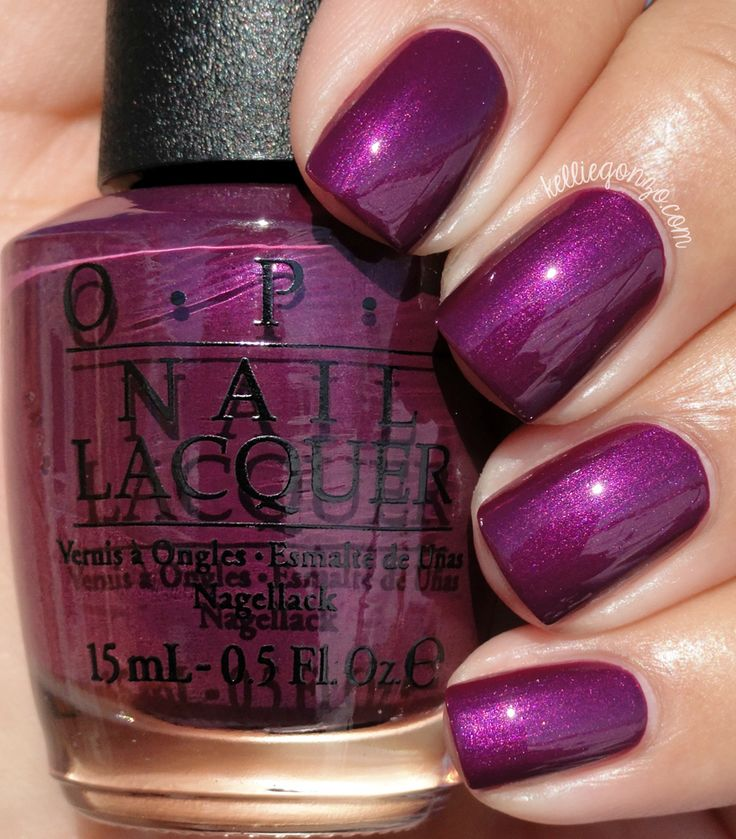 OPI I'm In The Moon For Love // @kelliegonzoblog