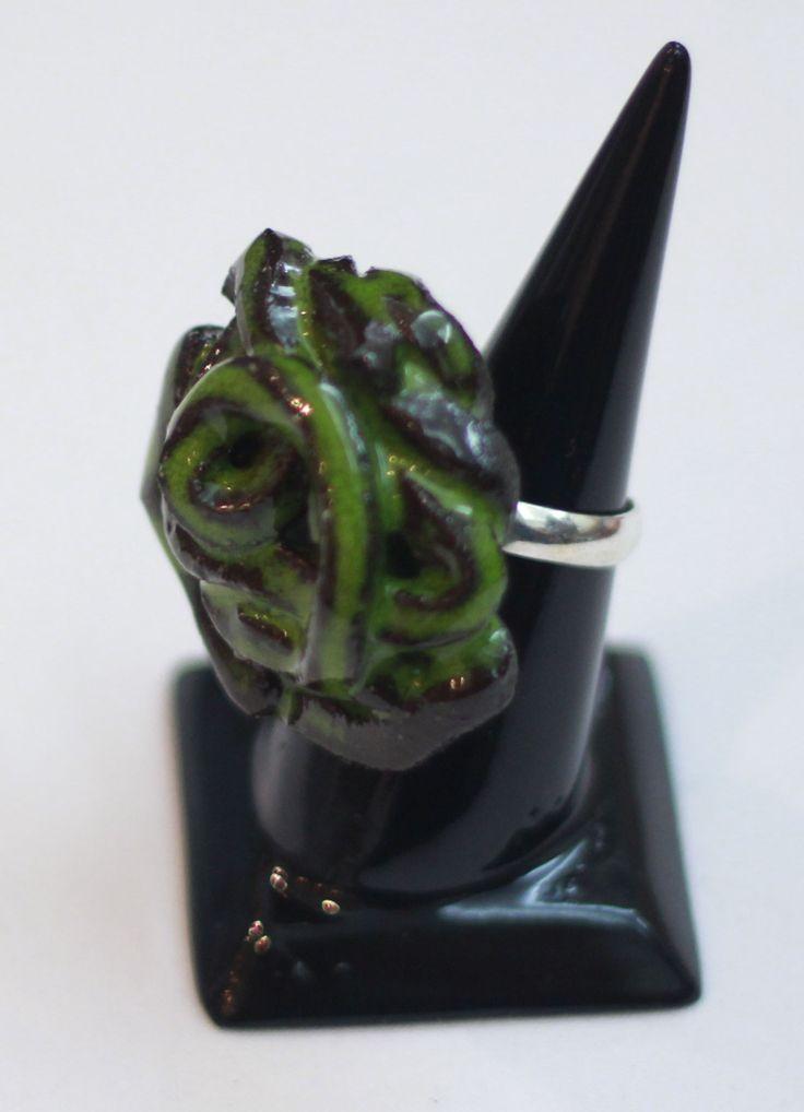 Özel tasarım seramik yüzük. Satın almak ve diğer ürünleri görmek için www.azimeozgen.com adresini ziyaret edebilirsiniz.