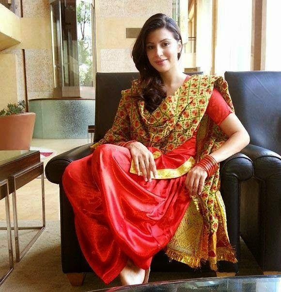 Sexy girl in punjabi suit