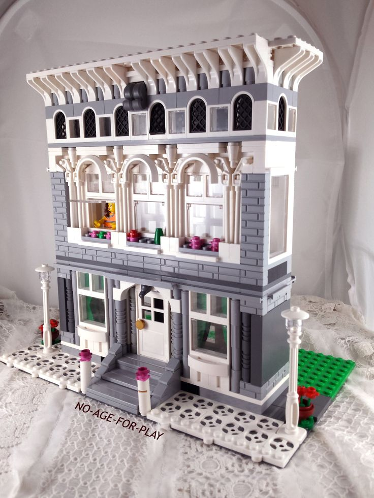 MOC LEGO Noageforplayfew shades building