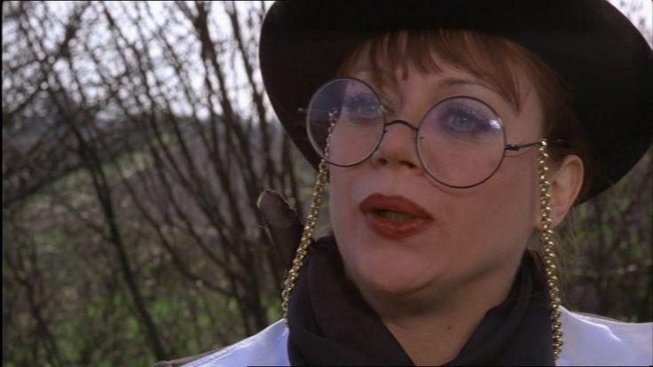 som Irma la Douche, i I Skorpionens tegn fra 1977.