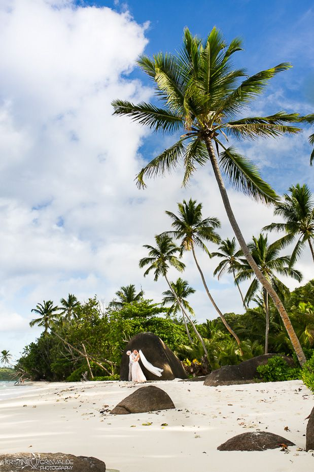 Destination wedding in Seychelles - an absolute dream come true experience for anyone wishing to get hitched in a special way! All the tips and tricks about planning, honeymoon and documents. Silhouette island, Praslin, La Digue, Anse Source d'argent and many more places! #wedding #honeymoon #seychelles #tropical #islandlife #island #indian #ocean