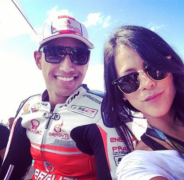 Que se sienta todo el apoyo a nuestro piloto colombiano @yonny68 compitiendo en este momento @MERC #termasderiohondo #argentina #vamoscolombia ✌️