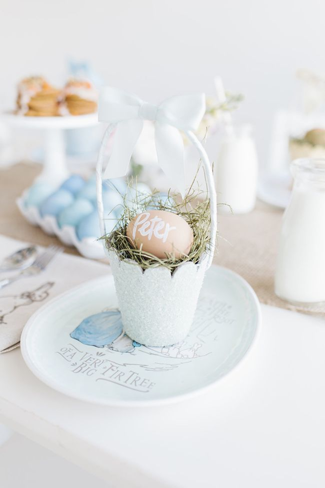 Little Peanut Magazine Easter brunch party   Personalized egg place settings