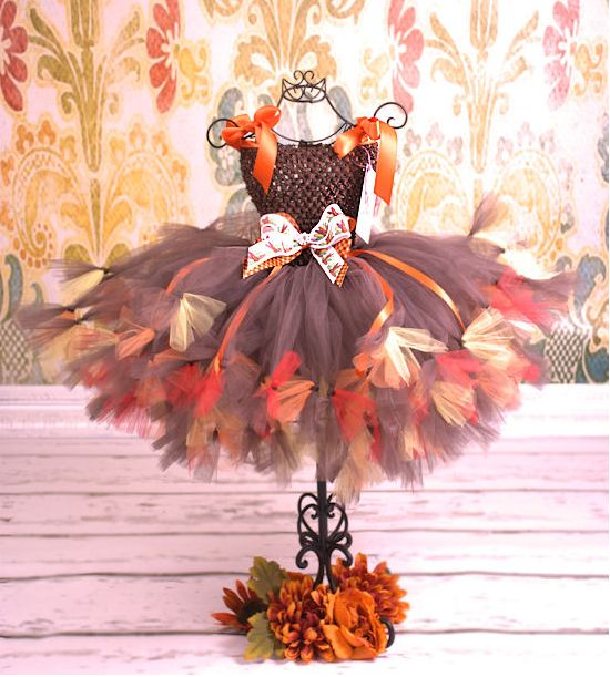 Fall tutu dress. If I had a little girl she would be wearing this on thanksgiving.