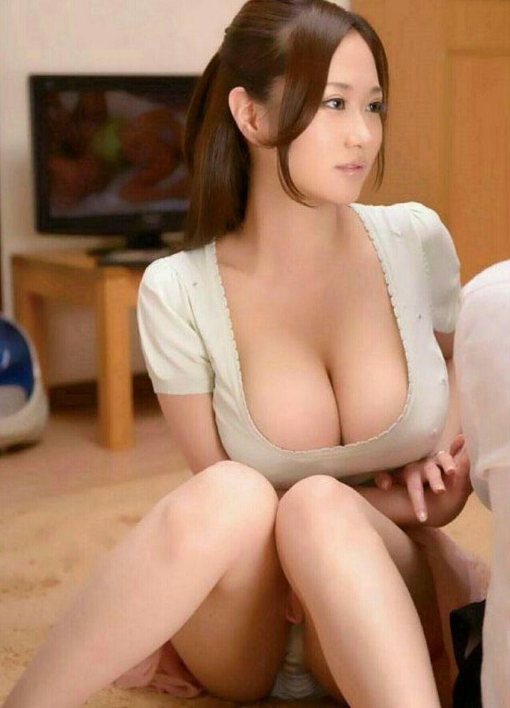 Braless japan