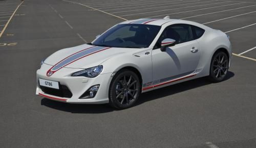 115062594440/toyota-gt86-blanco-launched-in-uk