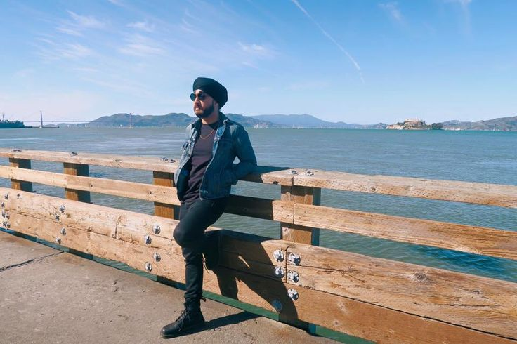 Indo-Canadian YouTuber JusReign Forced to Walk Across Airport to Tie his Turban After Airport Security Check |brown girl Magazine