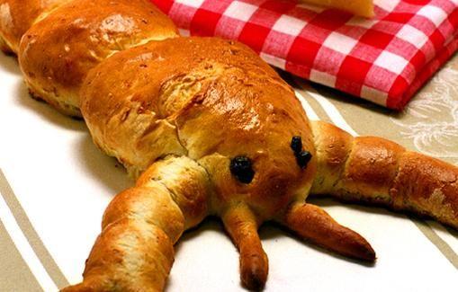 Ravun muotoinen leipä sulattaa juhlijoiden sydämet.