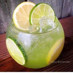 Key Largo Zest Cocktail - For more delicious recipes and drinks, visit us here: www.tipsybartender.com