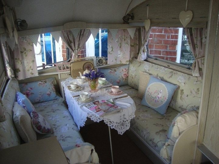 This is the absolute epitome of Vintage styling transferred to a caravan. Beautifully designed and executed.