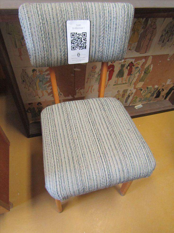 5. Szövött kárpítú szék