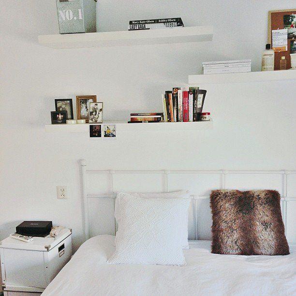 24 Decoration Over Bed Floatingshelvestvwall Shelves In Bedroom