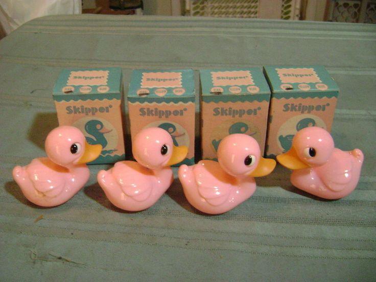 Vintage Knickerbocker pink Skipper plastic duck rattle / toys.