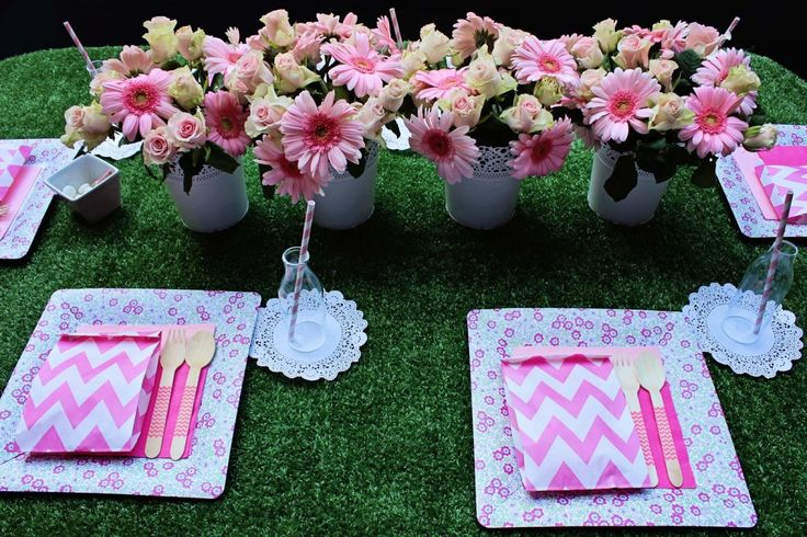 Simple garden party table setting ideas for mother s day lunch with