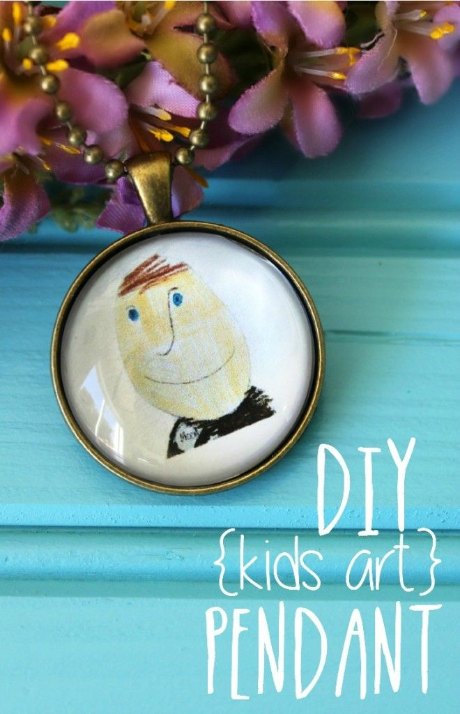DIY Kids Art Pendant, this tutorial is SO easy and PERFECT for Mother's Day!