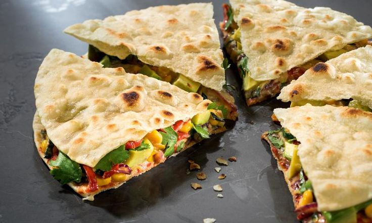 FürSie.de hat ein prima Rezept von Attila Hildmann für schnelle, vegane Quesadillas! Wir zeigen, wie es geht.