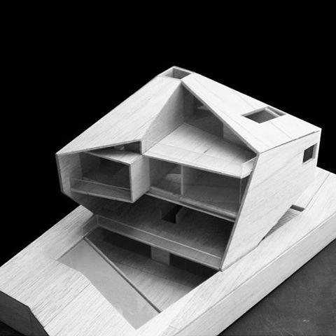 "6,470 curtidas, 11 comentários - Art & Architecture (@architects_need) no Instagram: ""Geometric form """