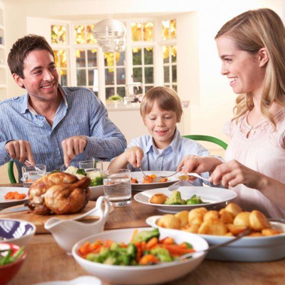 Nu te-ai fi asteptat: MASA in FAMILIE aduce beneficii surprinzatoare
