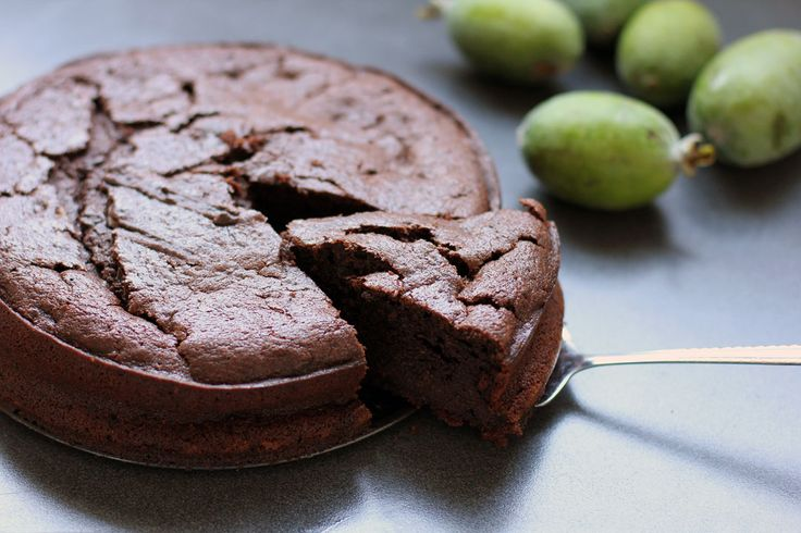 A #Kiwi cake with a chocolatey twist, Chocolate #Feijoa Cake
