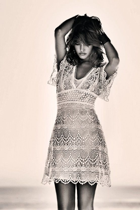 lace dress, I want this.
