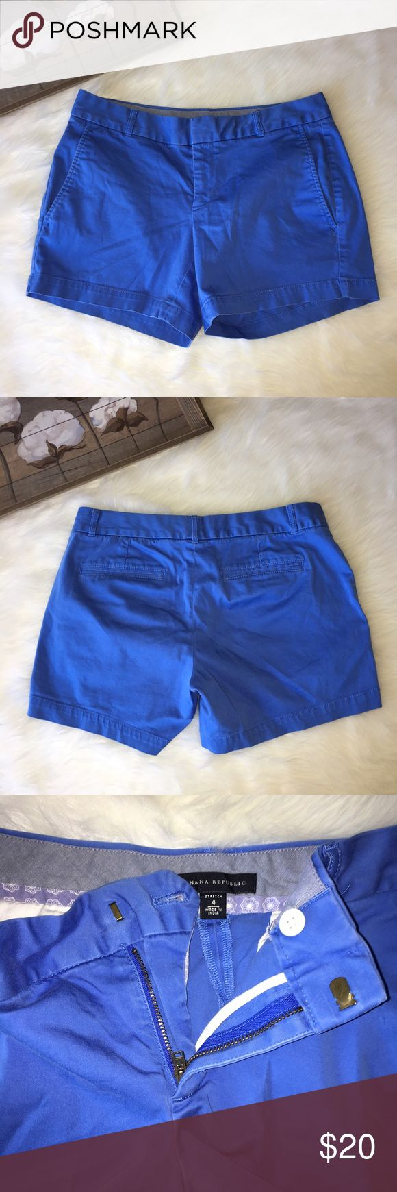 Banana Republic Blue Causal Shorts Sz 4 Super chic and stylish blue Banana Republic size 4 causal shorts. In excellent preowned condition. Banana Republic Shorts