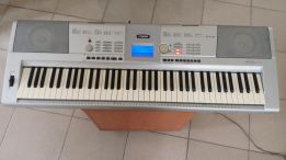 76 Keys Yamaha DGX-205 Keyboard for sale!