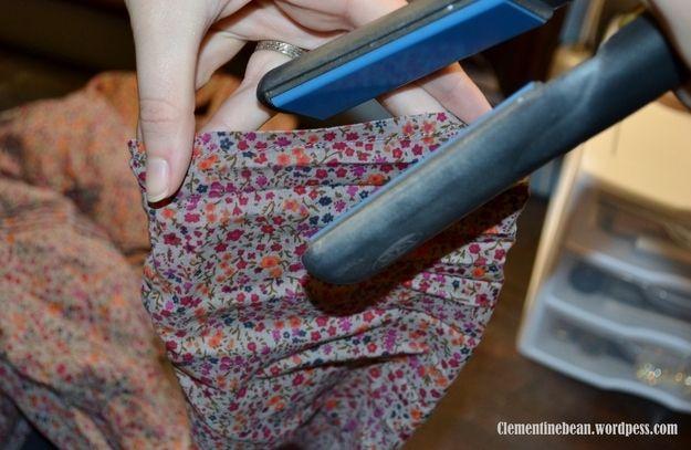 Utilisez votre fer à lisser pour repasser les ourlets. | 23 astuces qui vont simplifier la vie de toutes les filles