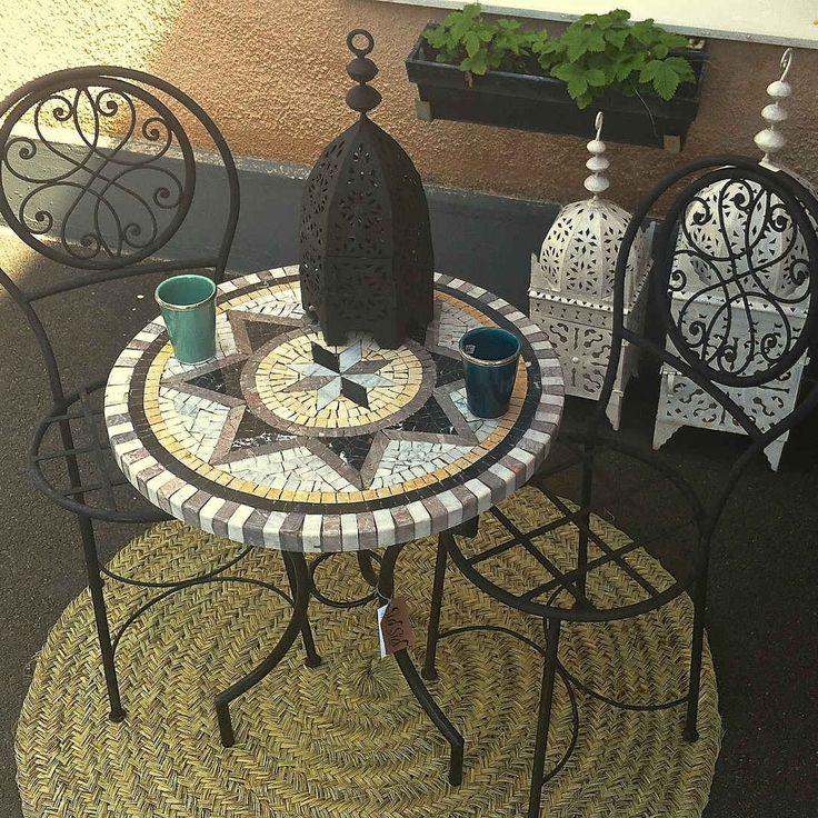 Caféset bord + 2 stolar