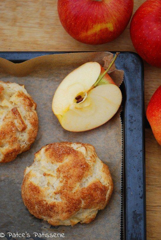 Knusprig gebackene Apfelteilchen aus Quark-Öl-Teig mit dicker Zimtzuckerkruste